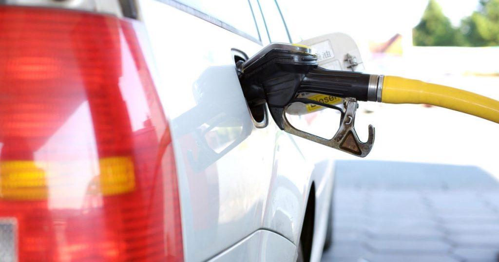 Creste pretul benzinei in 2021 impreuna cu restul carburantilor